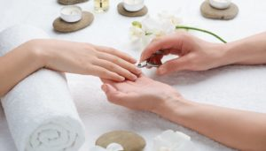 Nagelhautpflege